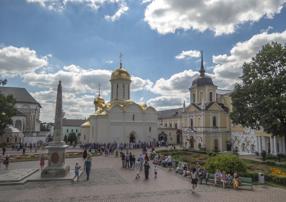 В Свято-Троицкой Лавре - Сергей Цветков
