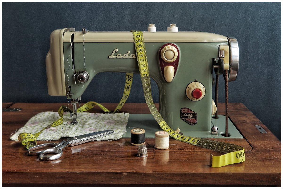Швейная машинка из соцлагеря... - Олег Бабурин