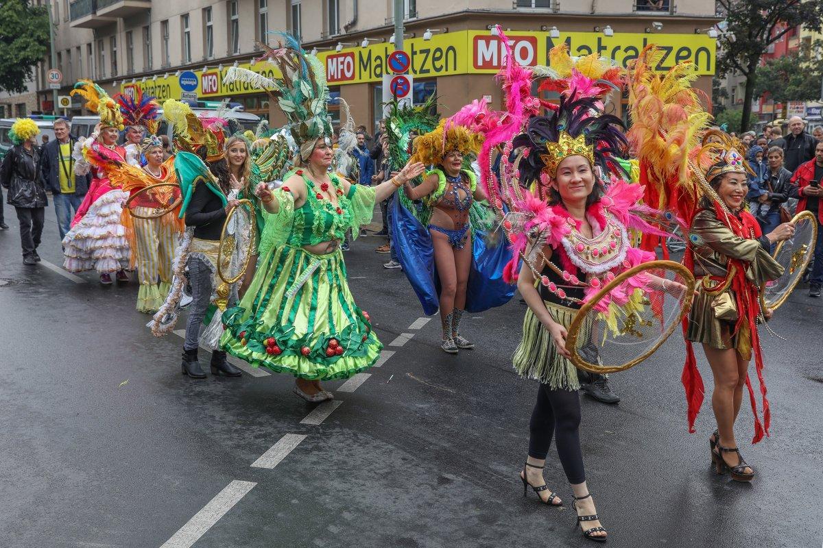 Берлинский карнавал - Владимир Леликов