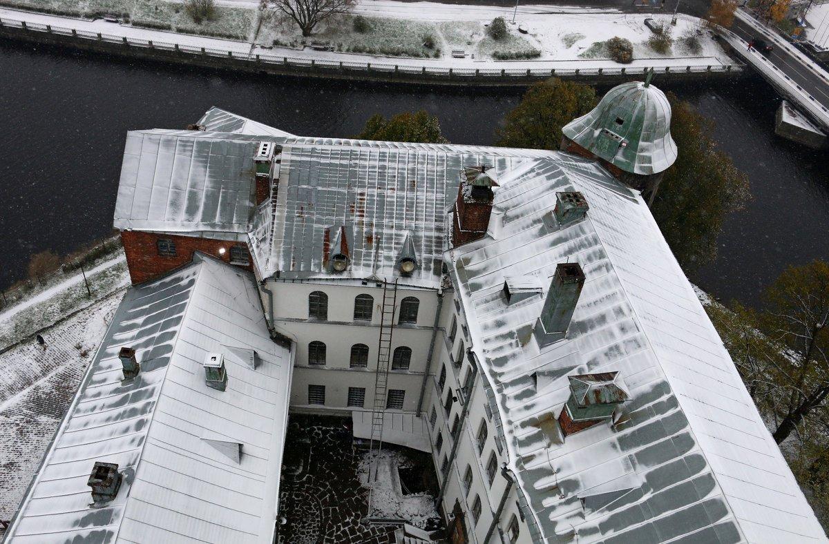 Снег над Выборгским замком - Ольга