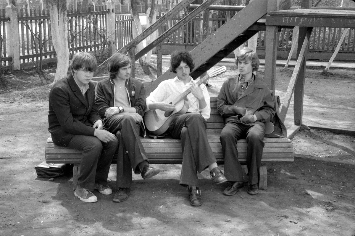 А у нас во дворе...... 1974 (май) - Игорь Смолин