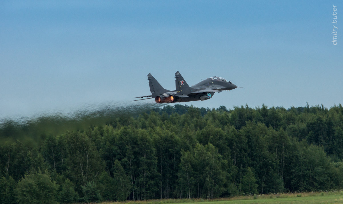 МиГ-29УБ РСК МиГ на взлете - Дмитрий Бубер