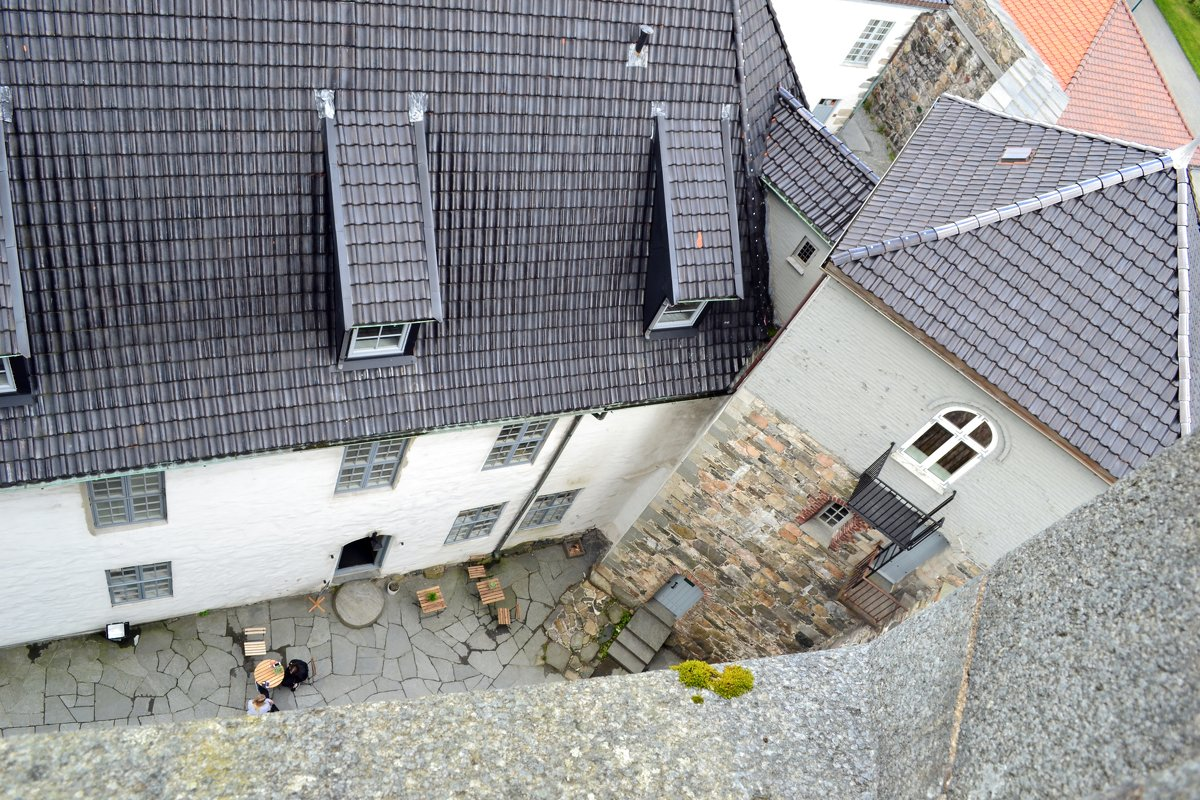 Дворик норвежского замка - Ольга