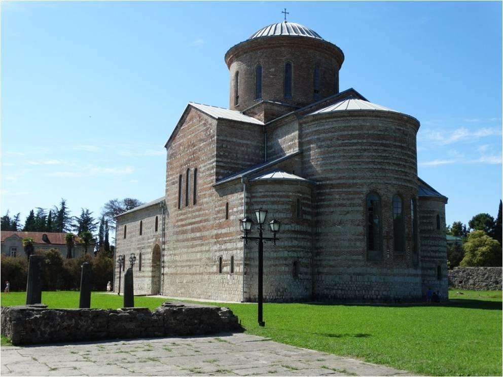 Храм в Пецунде - Андрей
