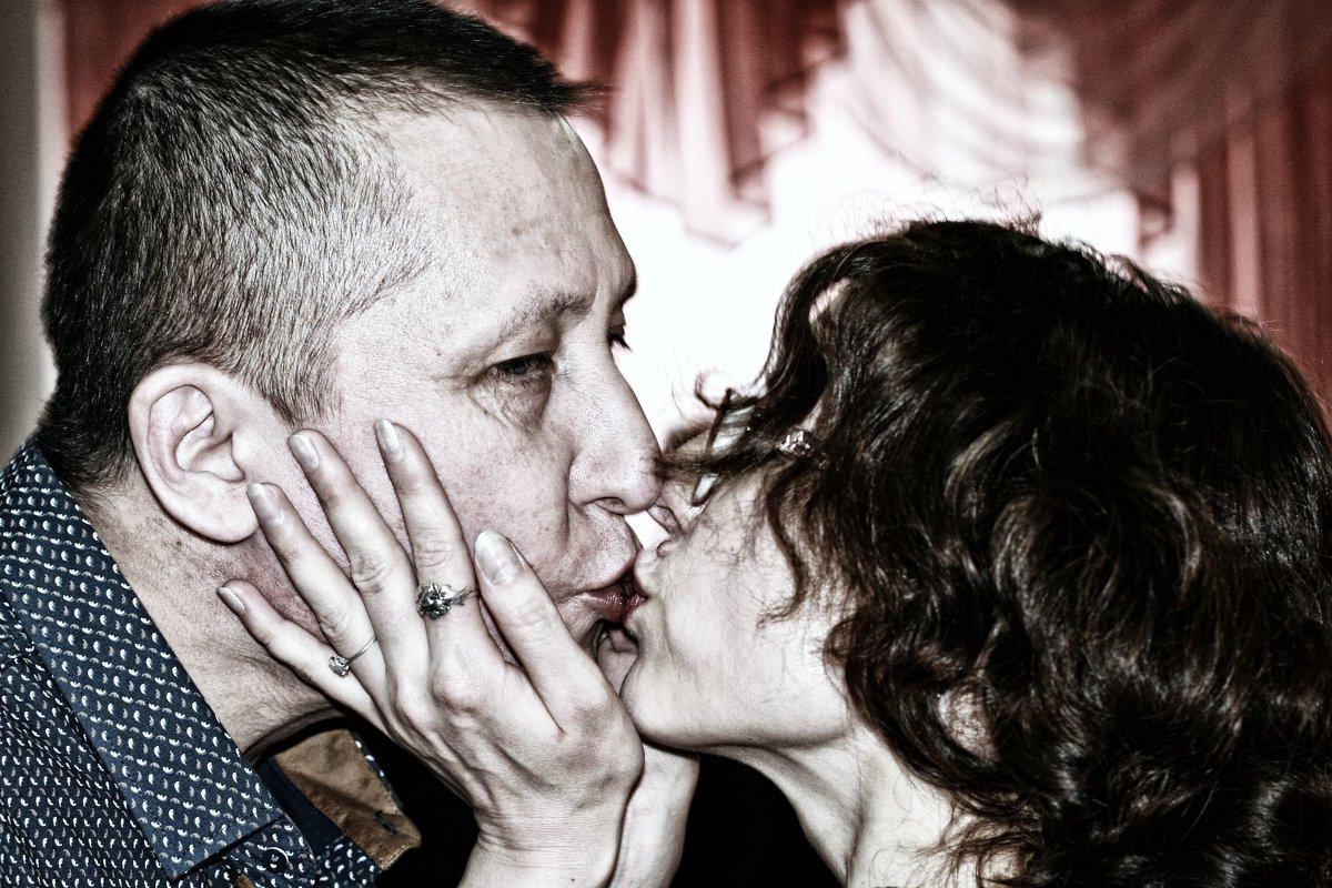Поцелуй - Евгений Юрков