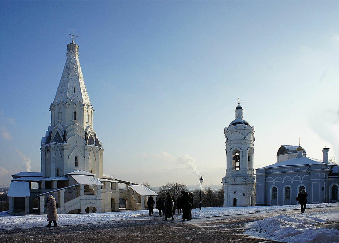 Церковь Святого Георгия с Колокольней (справа), ансамбль усадьбы Коломенское - Елена Павлова (Смолова)