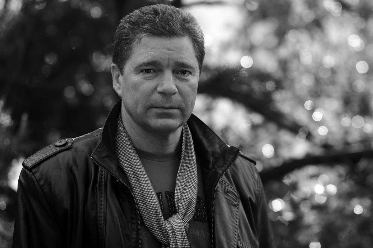 Артист театра и кино - Виктор Мороз