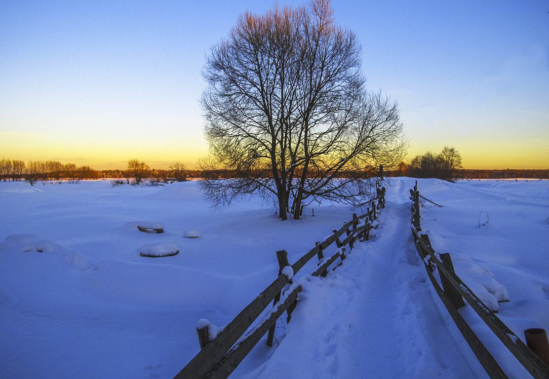 Закат у зимней речки - Сергей Цветков