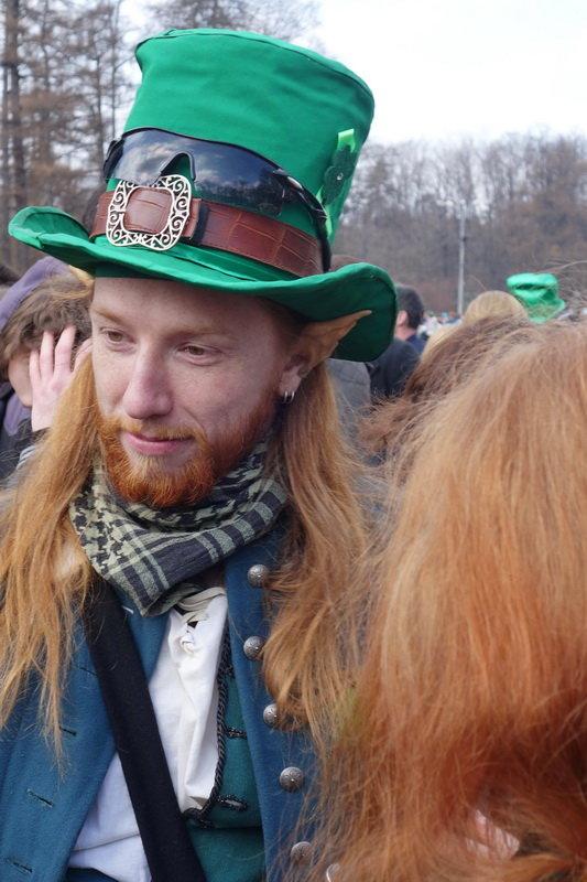 Юноша в зеленой шляпе - Игорь