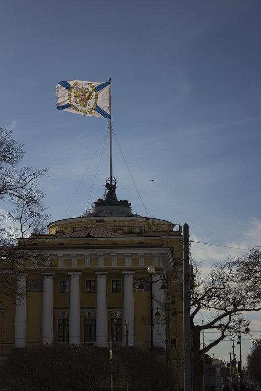Андреевский флаг над Адмиралтейством - Алексей Никитин