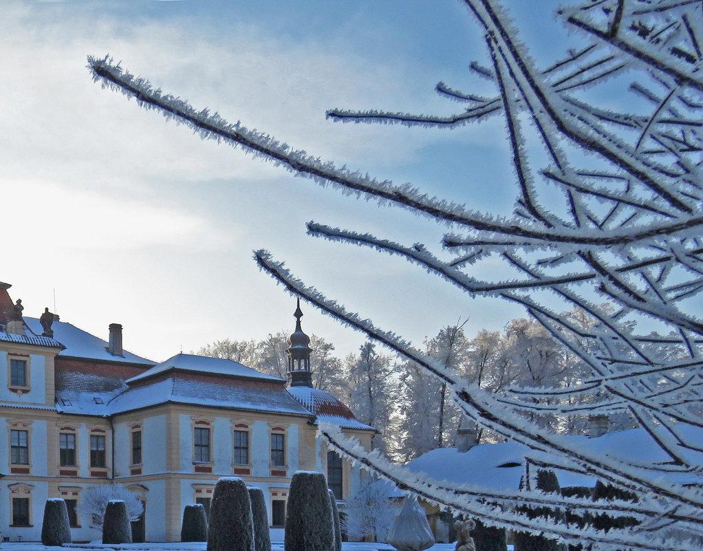 Зима в замке Эмниште - ИРЭН@ Комарова
