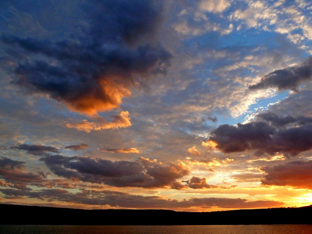 Заходы солнца так сказочно красивы... - Лидия Бараблина