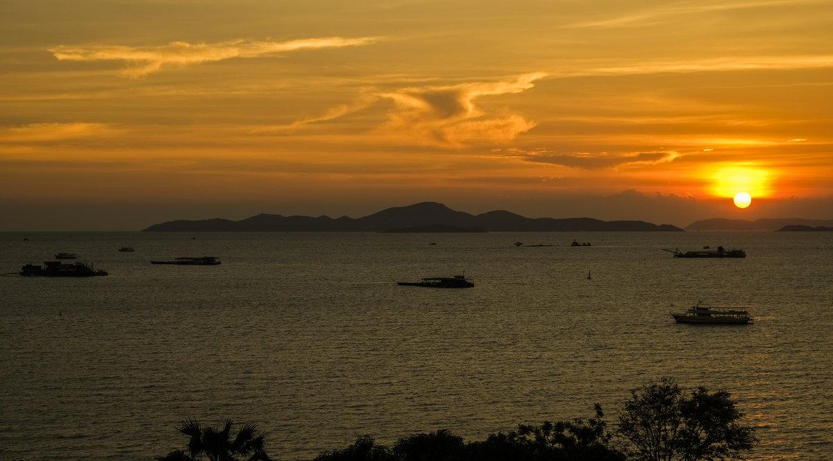Закат на Сиамском заливе. - Rafael