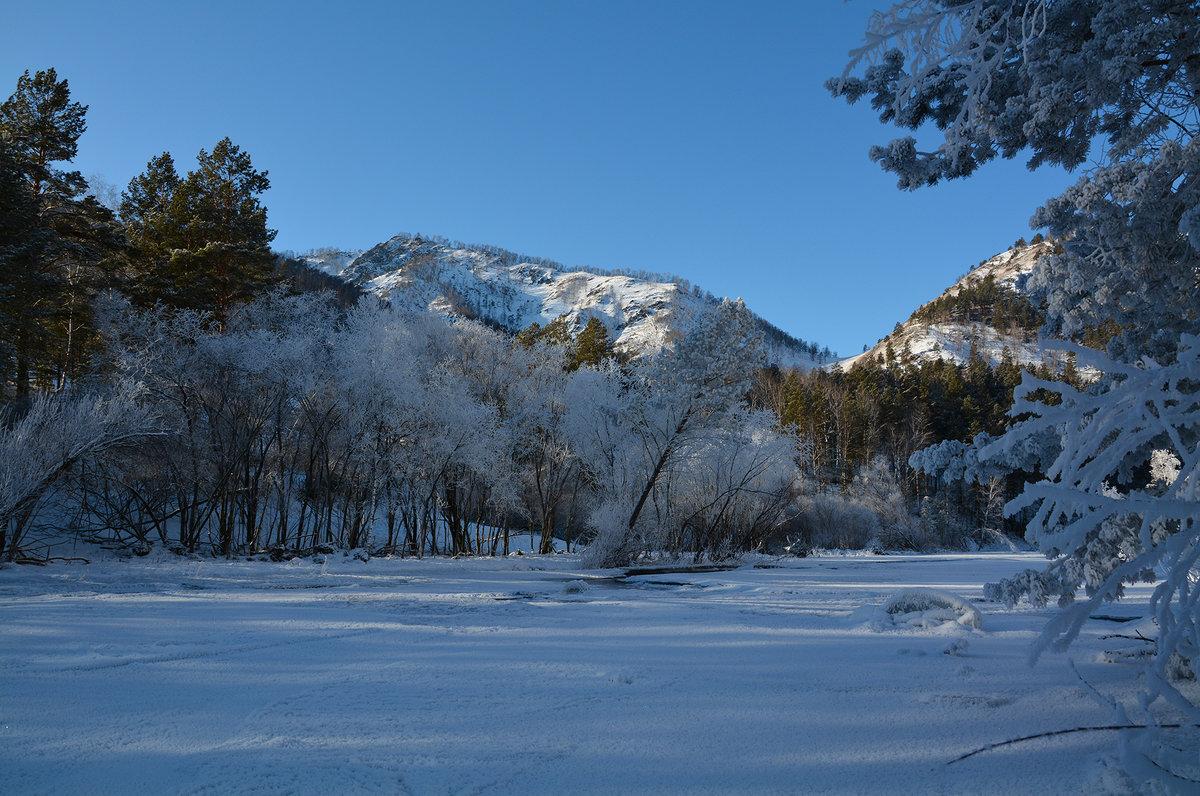 Зимним днём на реке Чемал. - Валерий Медведев