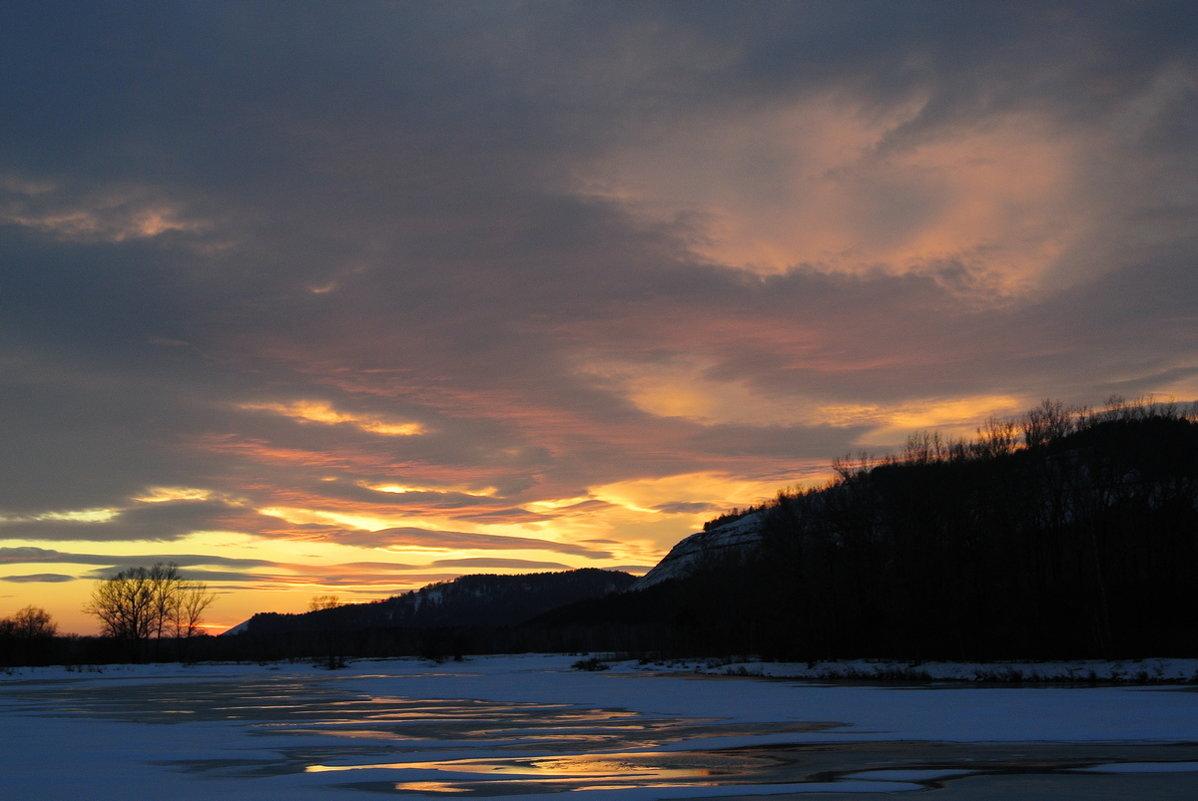 мартовский  закат   на  реке Оя - Владимир Коваленко