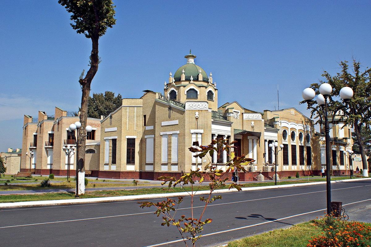 Историческое здание - Mir-Tash