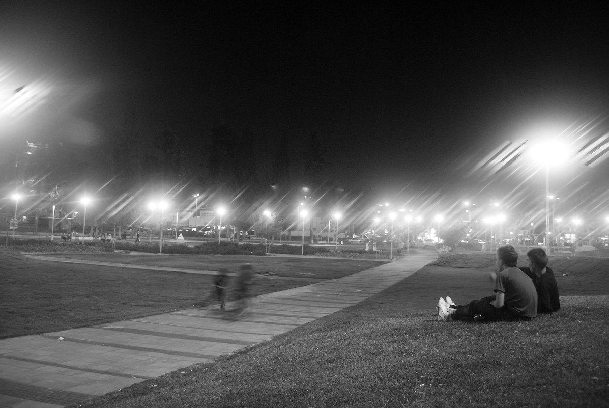 Вечер,Фонари и Сквер ..... - Aleks Ben Israel