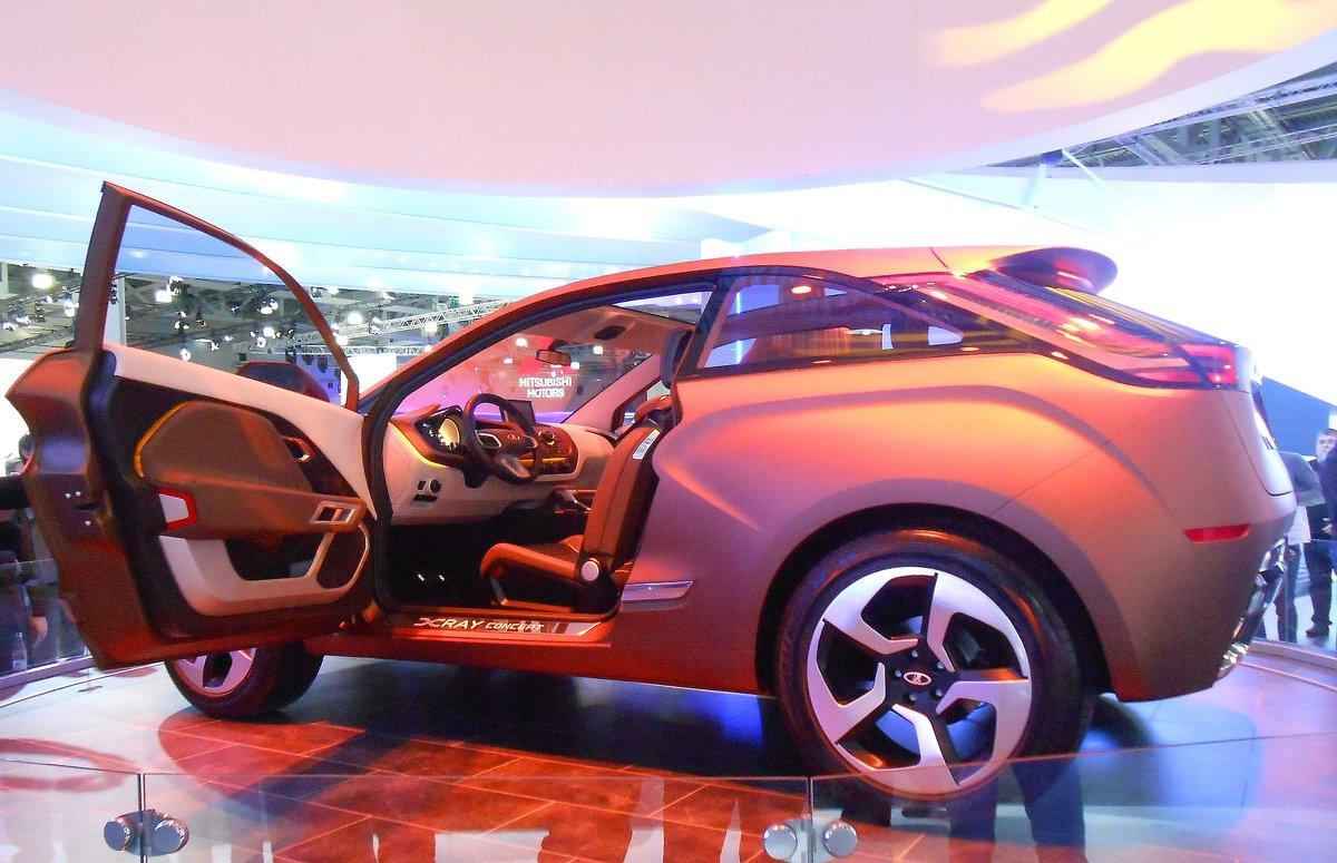 Московский международный автомобильный салон - Ирина Via