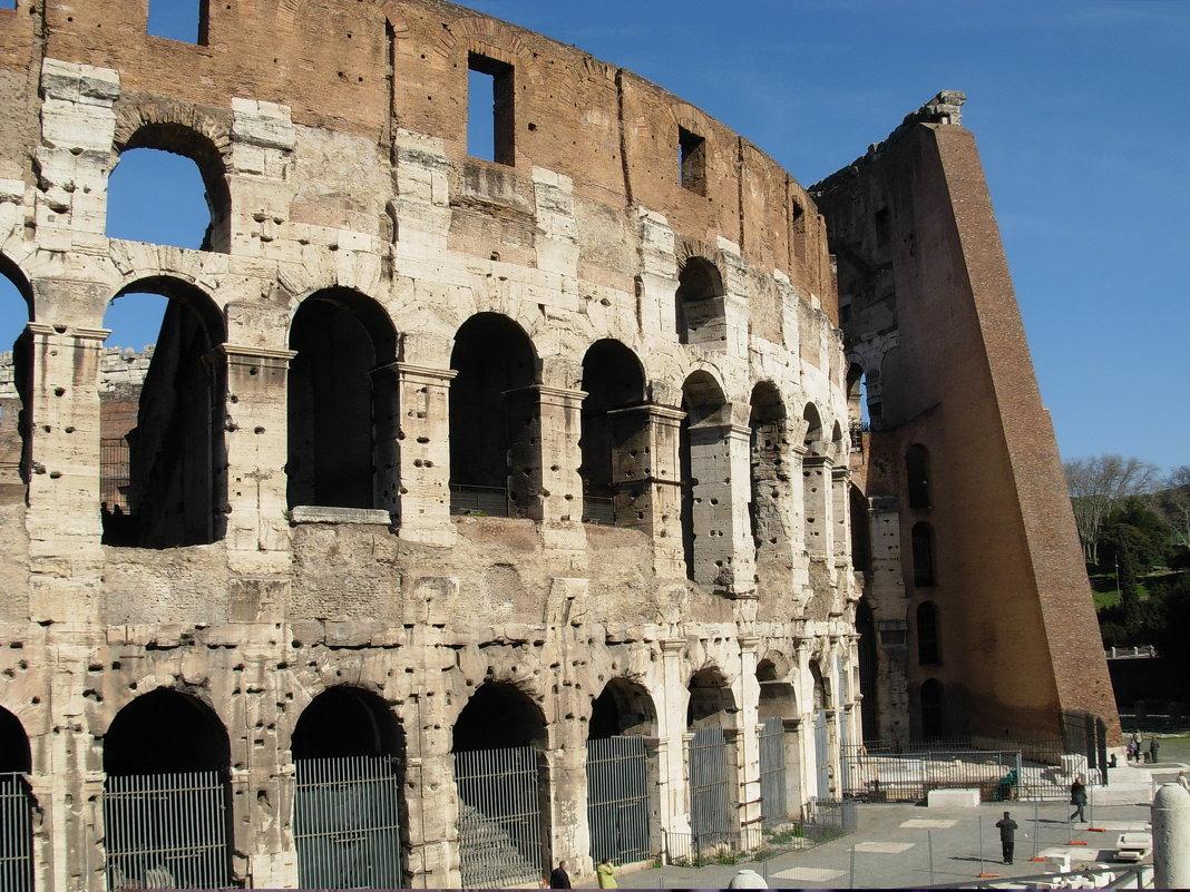 Римский Колизей - Алла Захарова