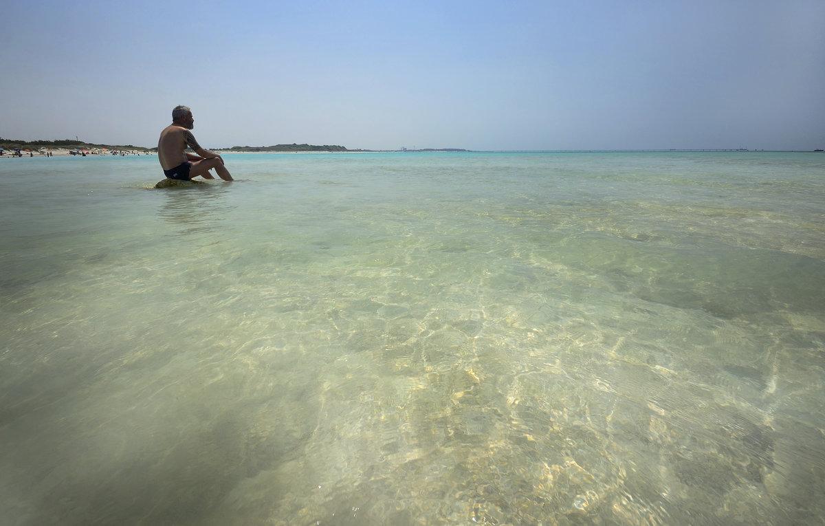 Белый пляж - Дмитрий Близнюченко
