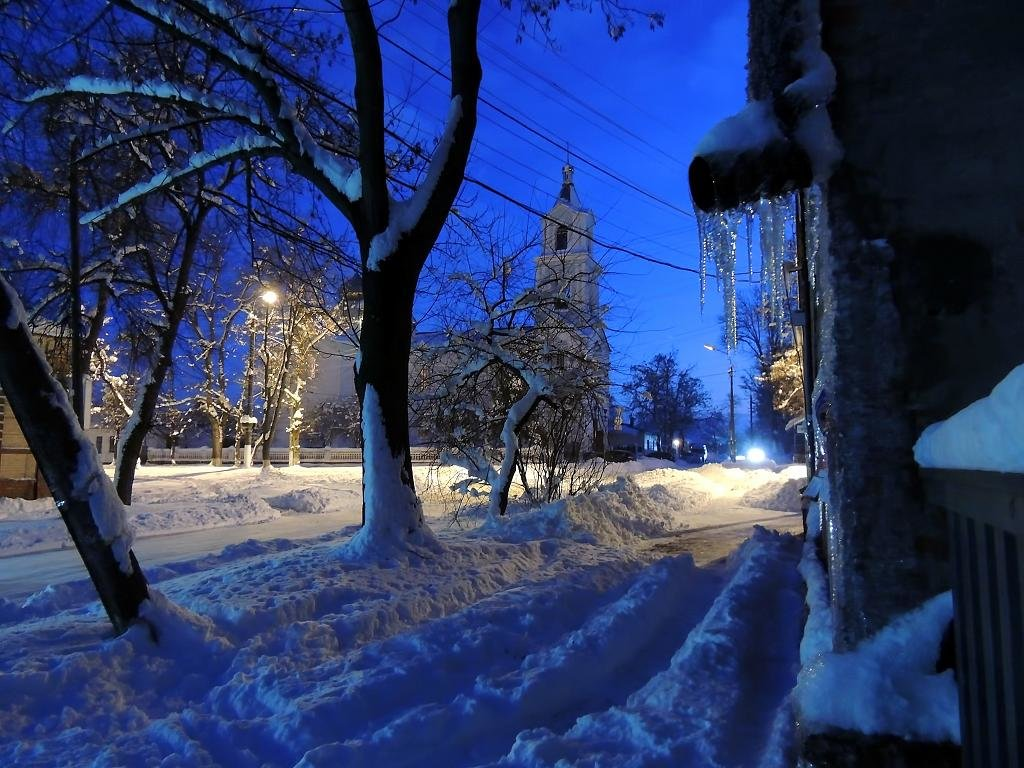 Ночь в городе - Роман Савоцкий