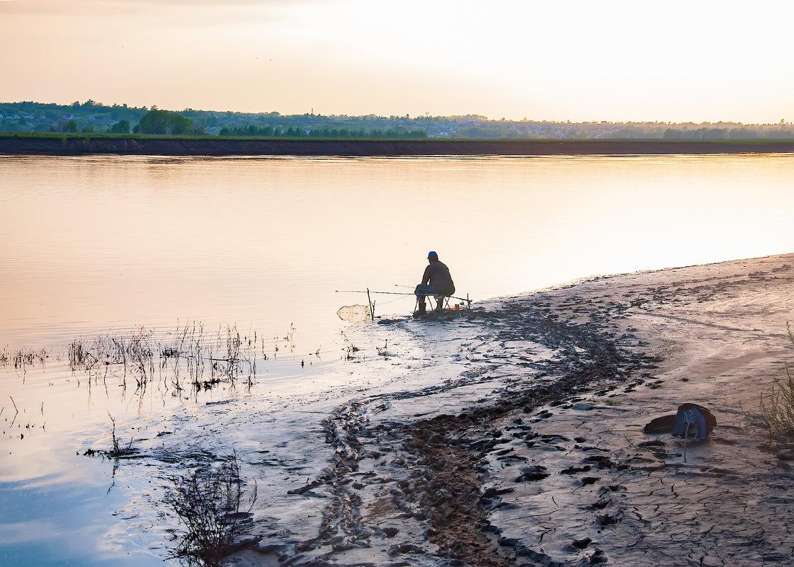 На закате - Юрий Бичеров