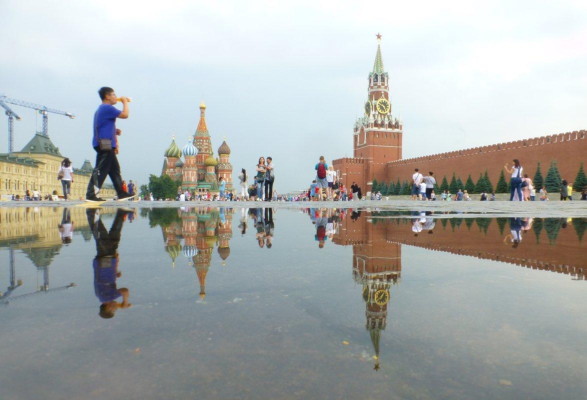 После ливня лужи уходят несколько минут..) - Alexey YakovLev
