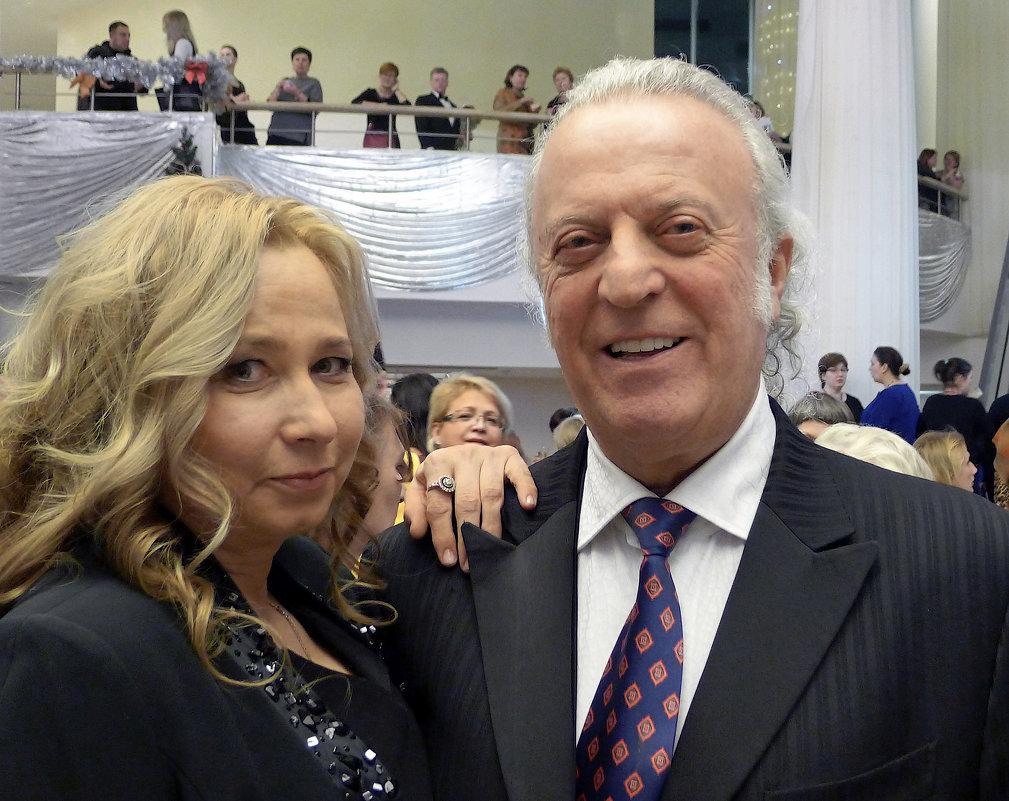 Поэт песенник Илья Резник с женой - Евгений Кривошеев