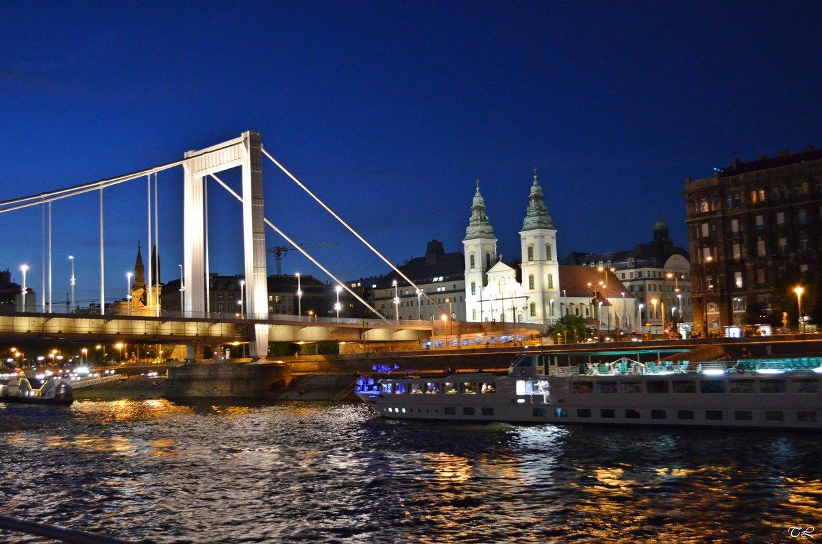 Будапешт, Мост Эржебет. Церковь Бельвороши - Татьяна Ларионова