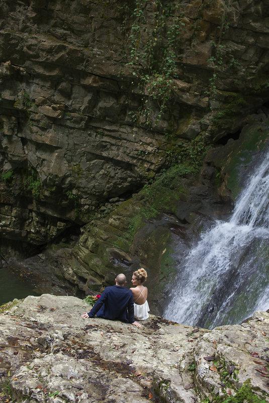 Аня и Слава в горах Абзахии - Евгения Лисина