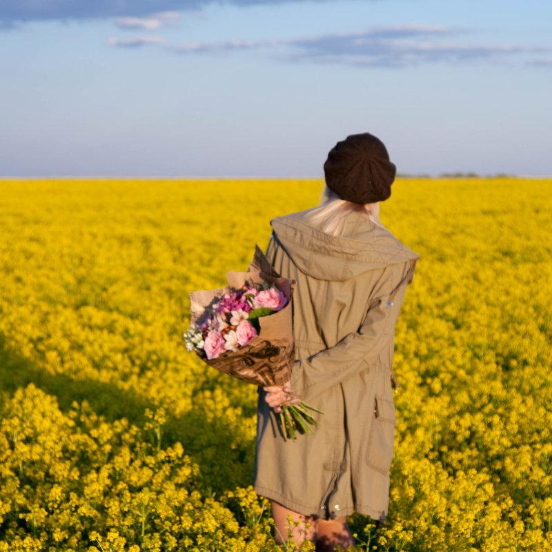 Цветов много не бывает - Юлия Шмелева