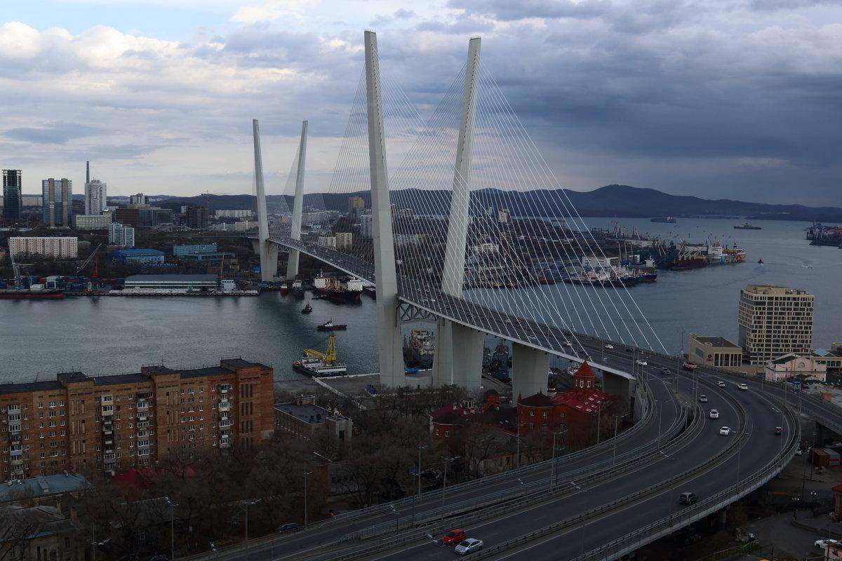 Владивосток. Мост через бухту Золотой Рог - Татьяна Панчешная