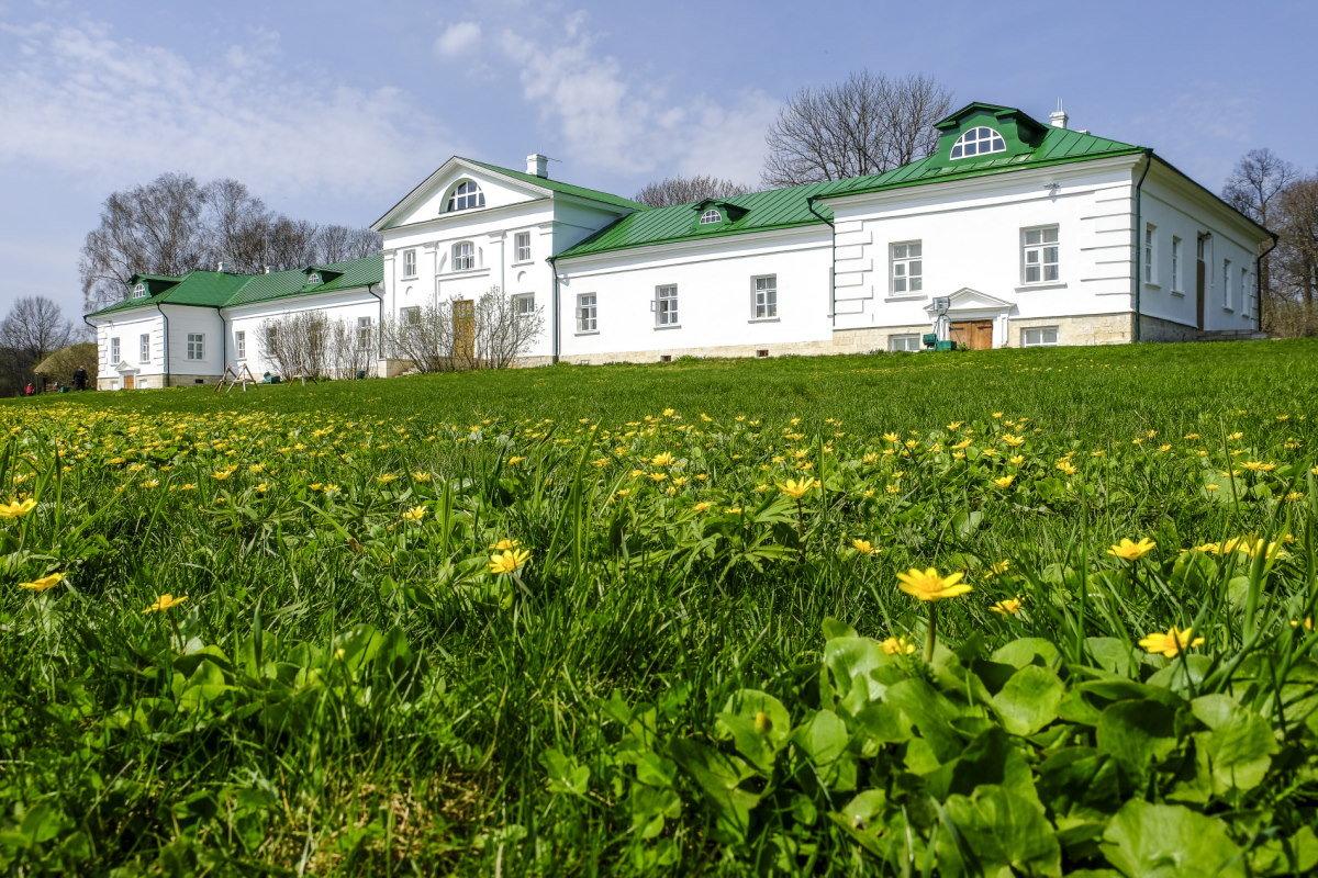дом князья Волконский, дед Толстого - Георгий