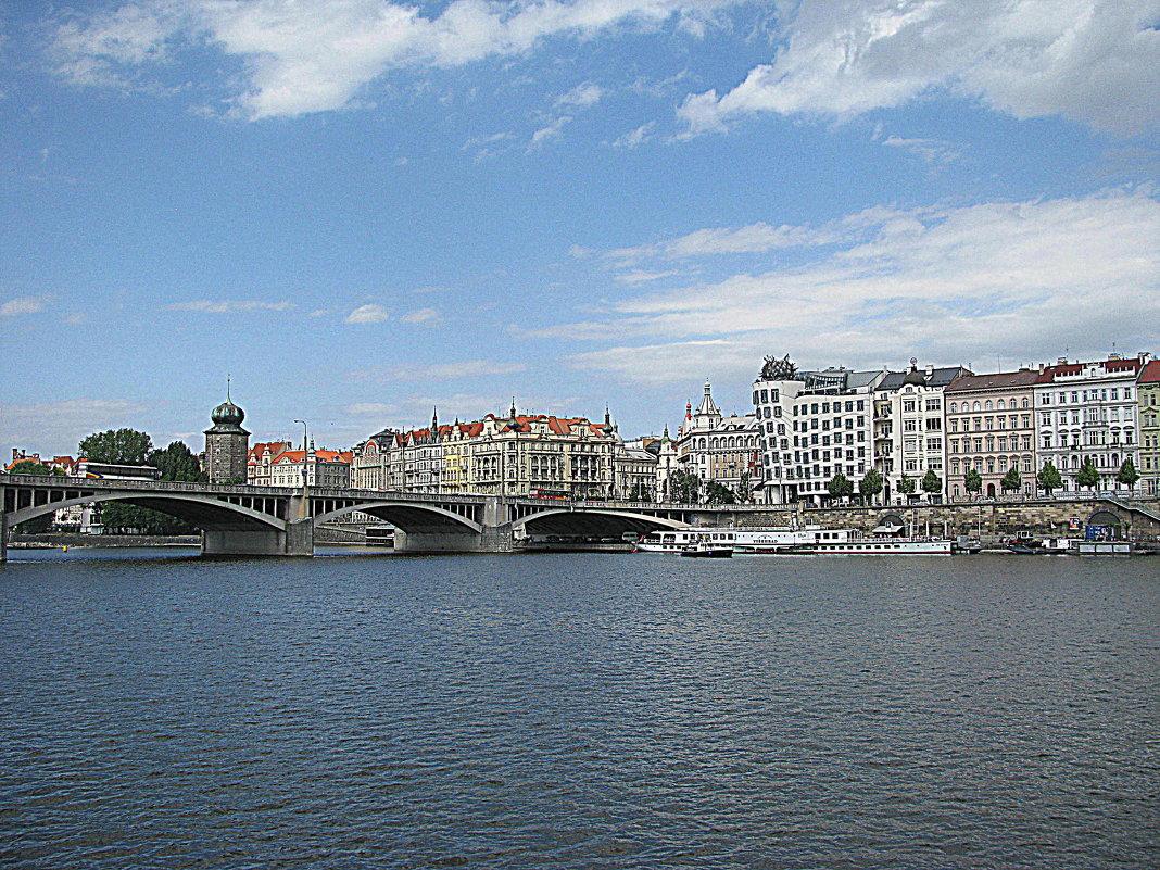 Чехия. Прага. Река Влтава. - Владимир Драгунский