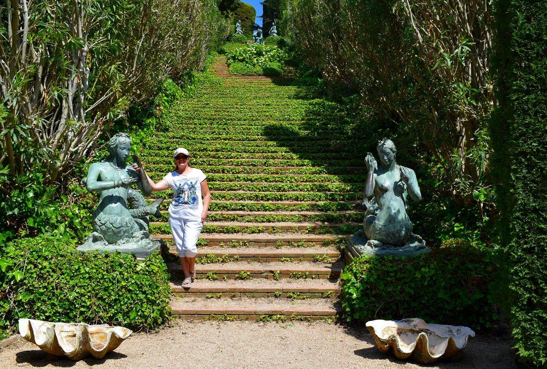 В саду Святой Клотильды - Лариса