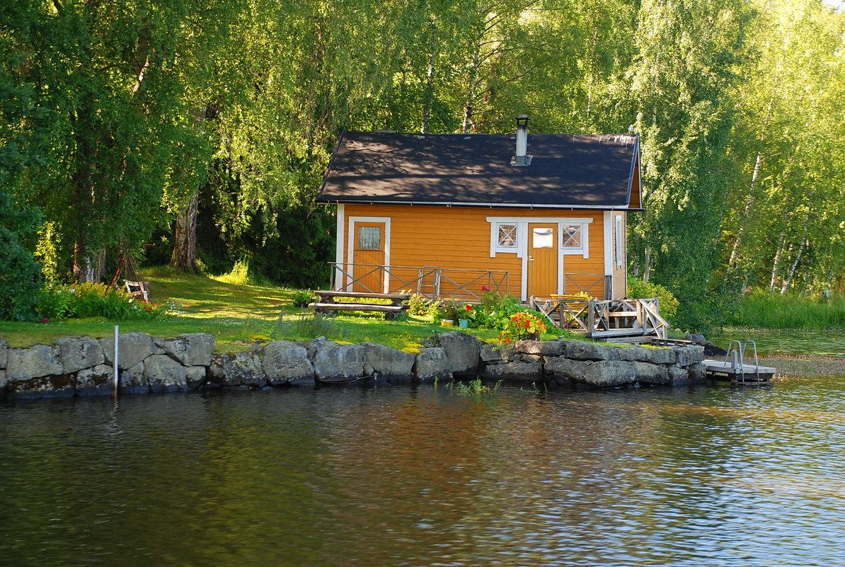 Финский желтый домик у воды - Николай Танаев