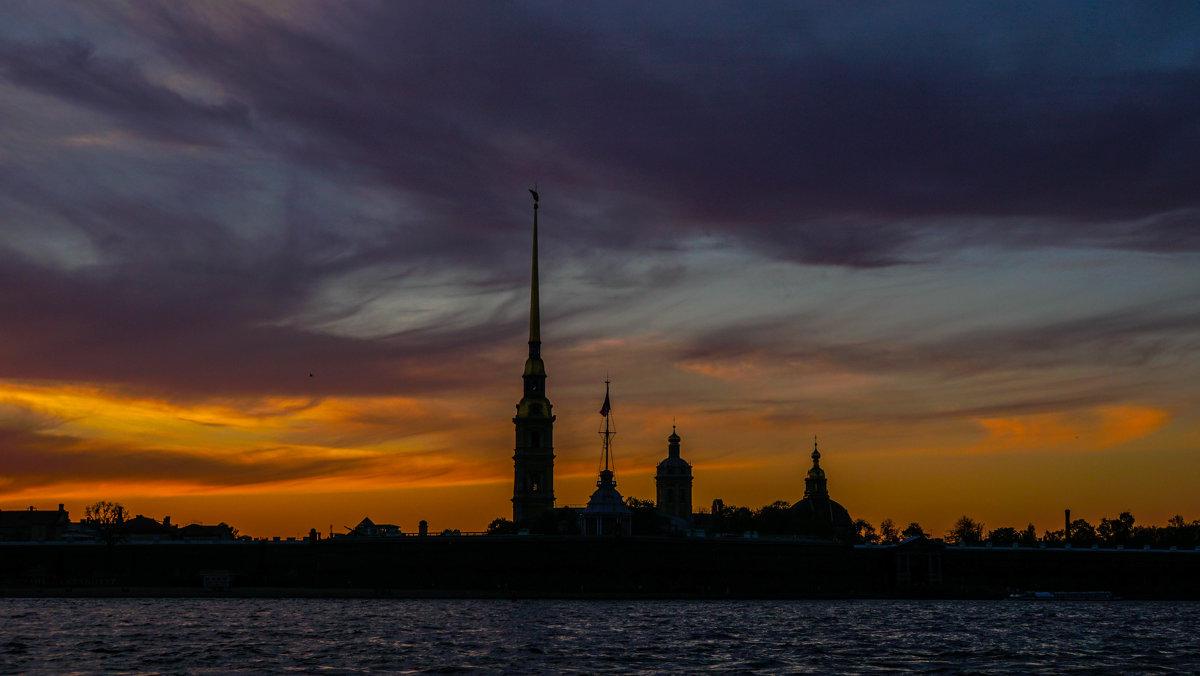 Ночь наступает - Andrei Antipin