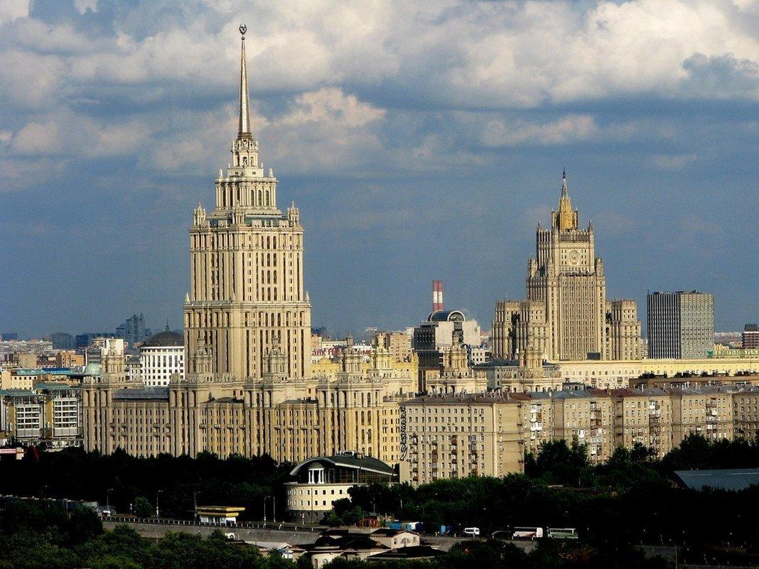 ОБЛЕТАЯ МОСКВУ - Анатолий Восточный