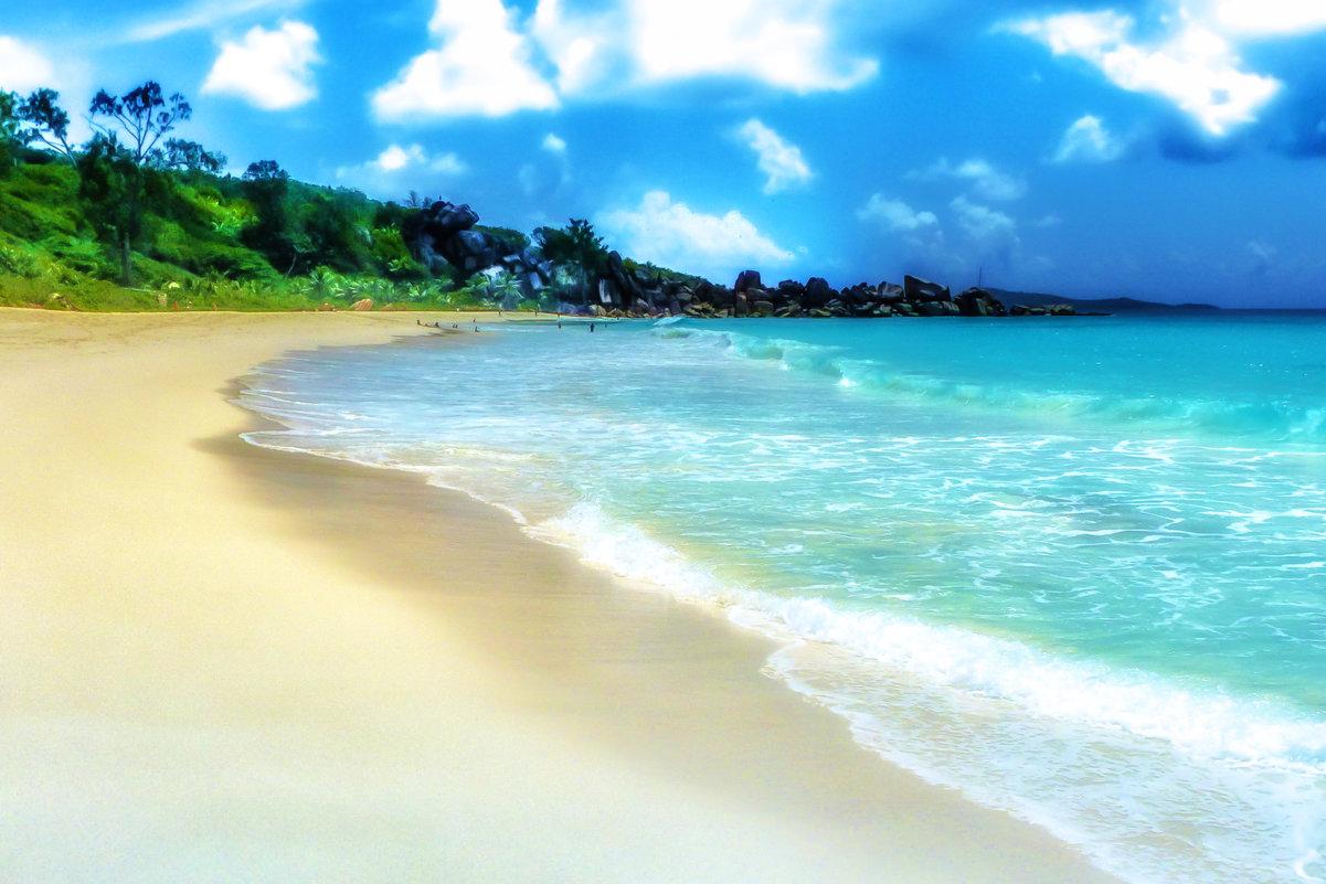 место на пляже хватает для всех - Георгий