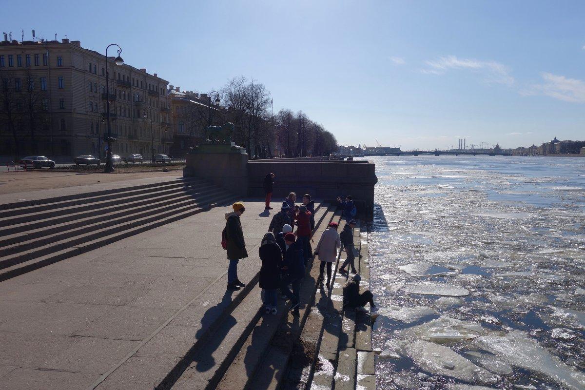 март на Адмиралтейской - Елена