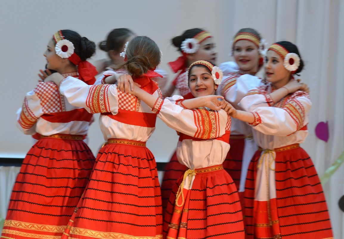 """Русский народный танец """"Ниточка"""" - Лариса Красноперова"""