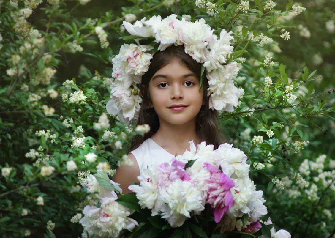 Девочка с пионами - Наталия Ефремова
