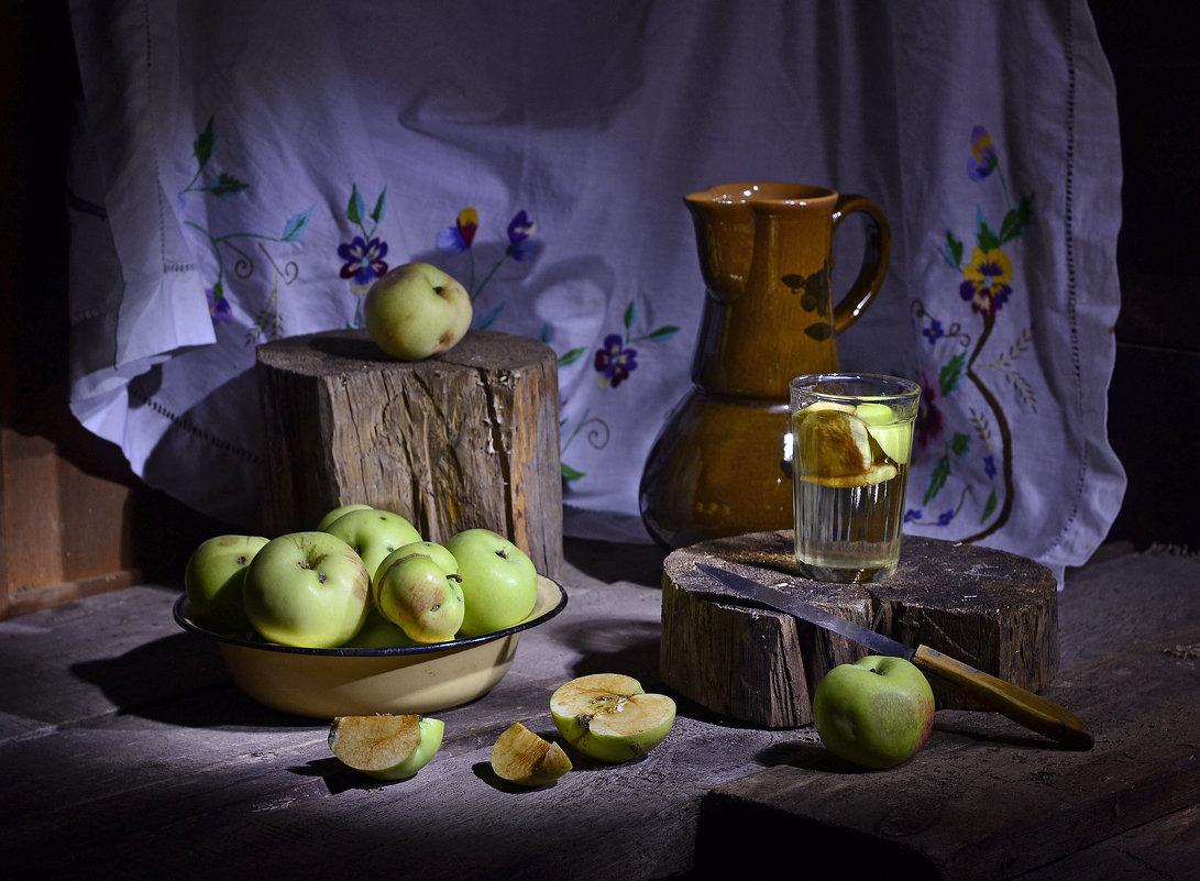 Про яблоки. - Оксана Евкодимова