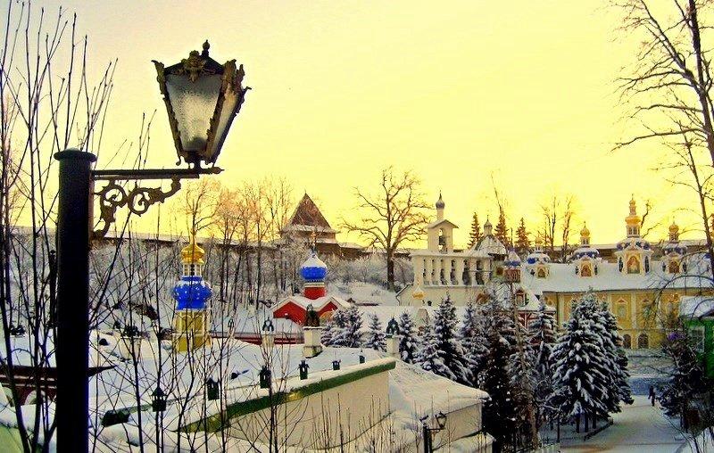 Зимой в Псково-Печерском монастыре - Leonid Tabakov