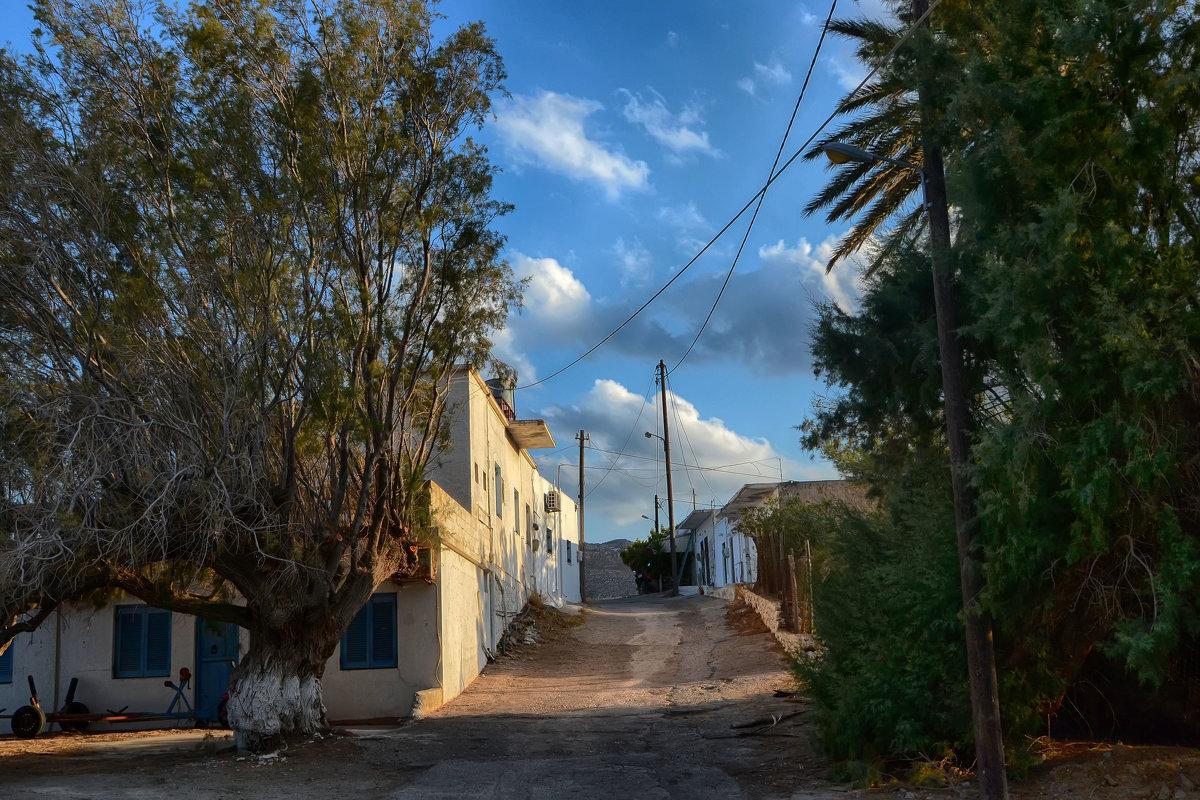 Улица в теплой стране.. Крит - Priv Arter