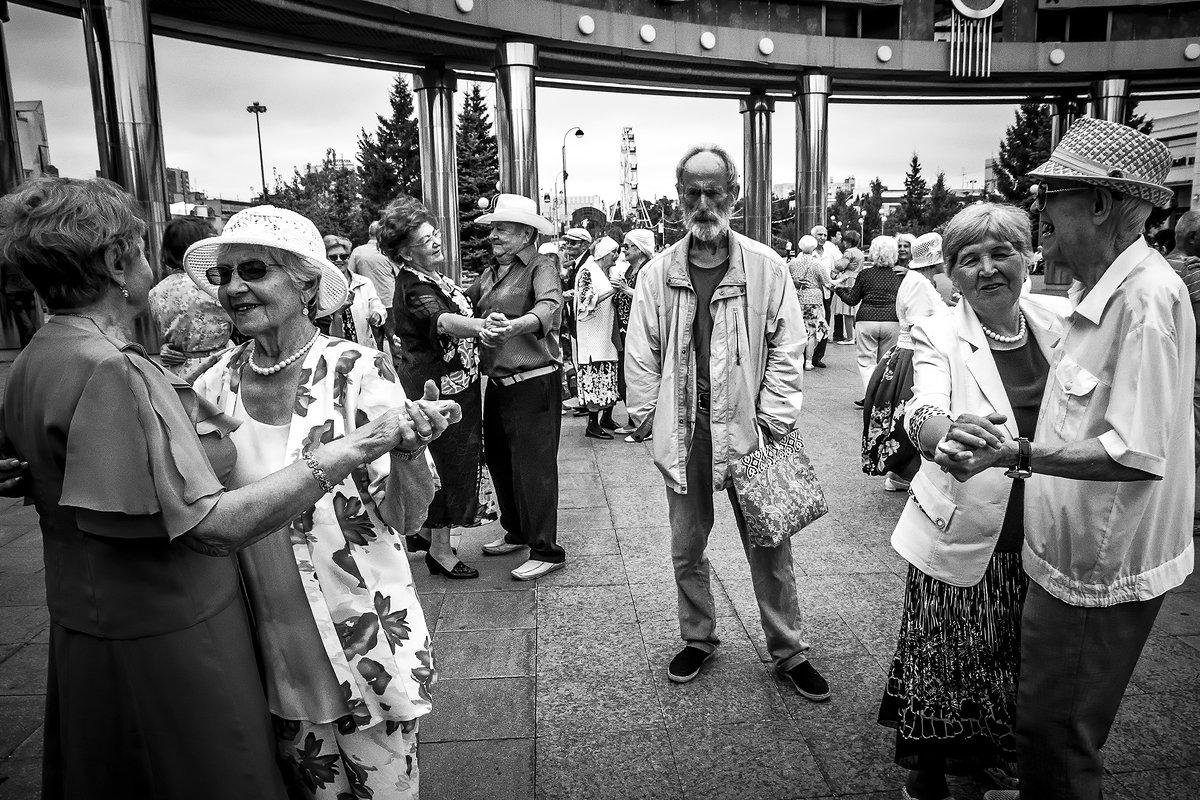 Человек, который не танцует - Сергей Елесин