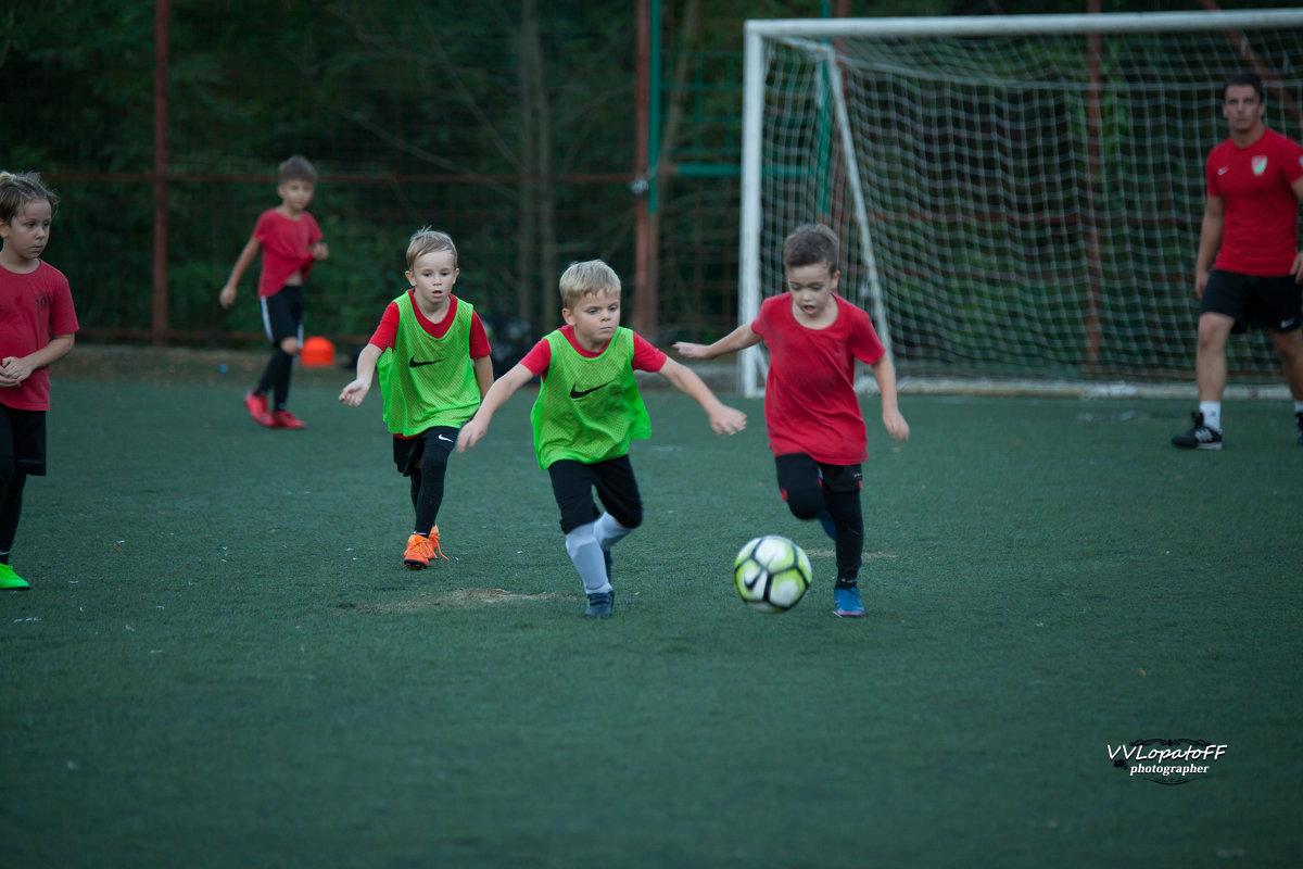 Подрастающее поколение 4 в футболе - Владислав Лопатов