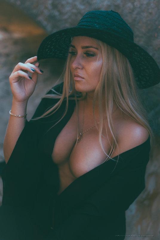Дама в шляпке - Rustam Zeynalov