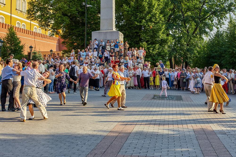 Субботний танец - Николай Николенко