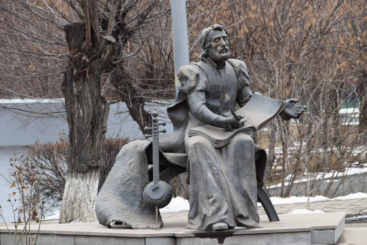 Армения. Гюмри. Памятник  Саят -Нове. - Galina Leskova
